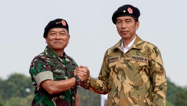Moeldoko dan Jokowi/Net