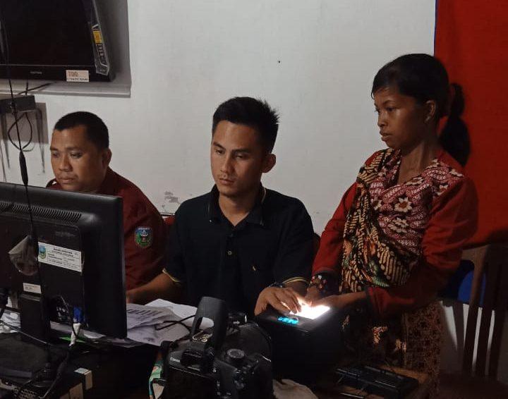 Suku Anak Dalam Dapat Dokumen Kependudukan