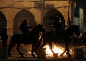 Ilustrasi bentrokan antara aparat keamanan Israel dan warga Palestina. (Reuters)